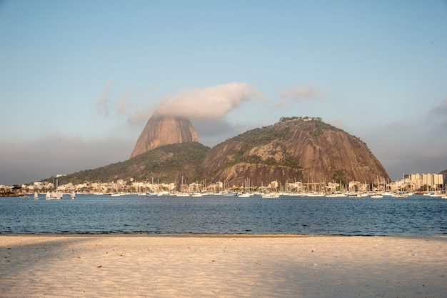 Baia di botafogo a rio de janeiro, brasile.