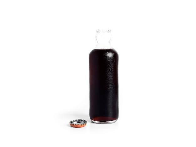Bottiglia di soda isolato su uno sfondo bianco. . foto di alta qualità