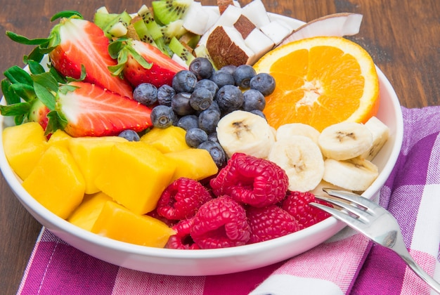 Ciotola di macedonia di frutta