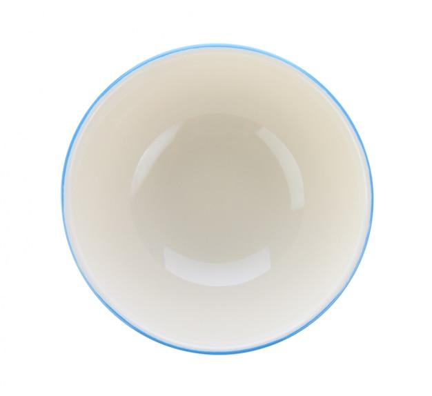 Ciotola isolata su spazio bianco