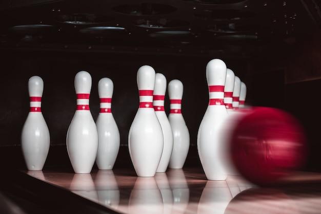 Birilli e palle da bowling
