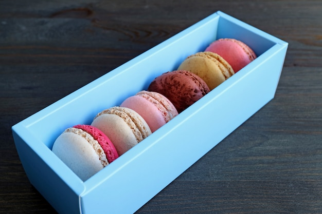 Scatola di macarons in una scatola