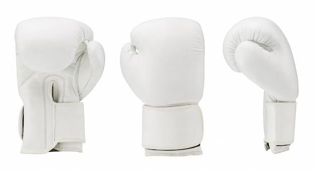 Guantoni da boxe isolati su sfondo bianco. abbigliamento sportivo