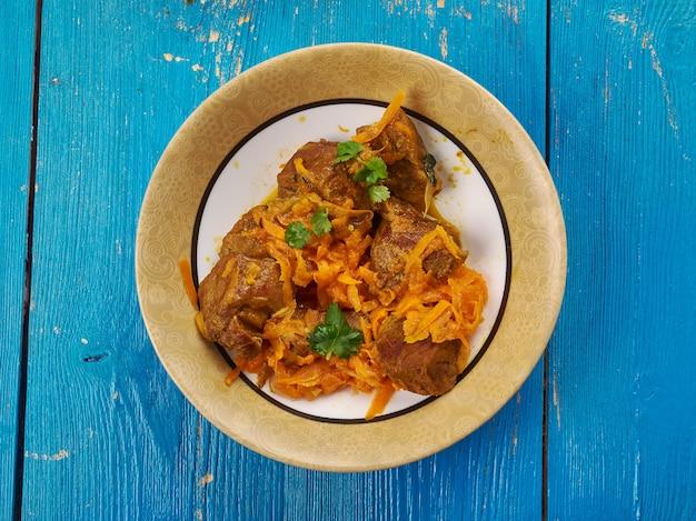 Boz qovurma - piatto turco con agnello e verdure