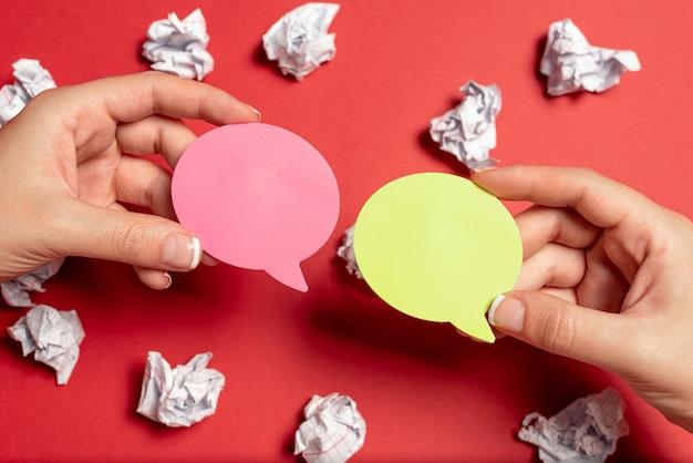 Brainstorming problemi soluzioni idee fare domande pertinenti prendere appunti importanti pensare nuove idee rompere la confusione mistero scrivere domande