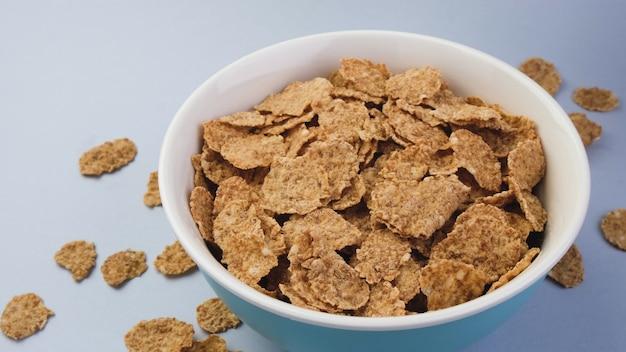 Fiocchi di crusca, sana colazione a base di cereali