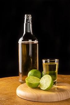 Bevanda brasiliana conosciuta come cachaãƒâ§a, bevanda dalla canna da zucchero. viene utilizzato nella preparazione della caipirinha conosciuta in tutto il mondo