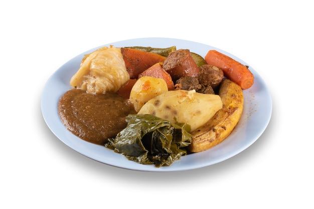 Piatto di cibo brasiliano con verdure