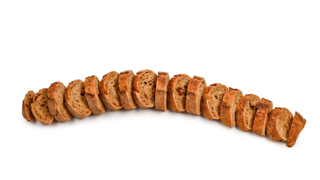 Fette di pane isolate su bianco.