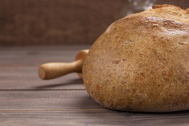 Pane sulla struttura del fondo della tavola di legno