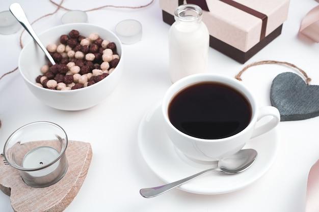 Colazione con palline di caffè e cereali