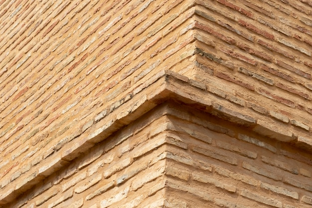 Primo piano della struttura dell'edificio in mattoni