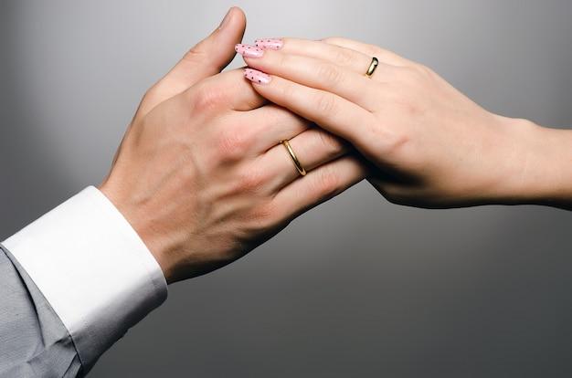 Mani di spose