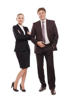 Immagine luminosa dell'uomo e della donna in abiti formali. isolato su sfondo bianco.