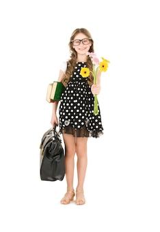 Brillante ritratto di ragazza studentessa di scuola elementare