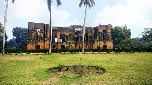 Il complesso della residenza britannica nella città di lucknow, in india.