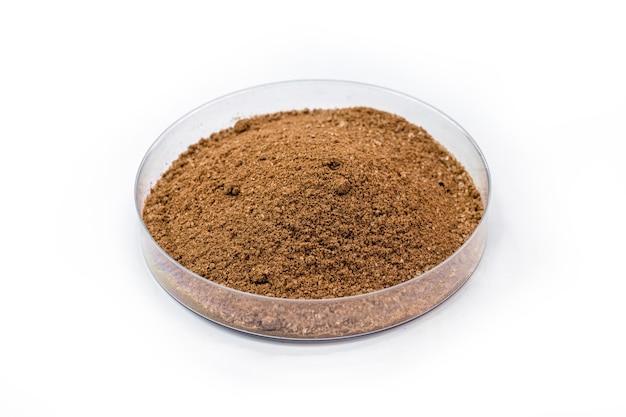 Ossido di ferro bruno, ossido di ferro sintetico usato come colorante