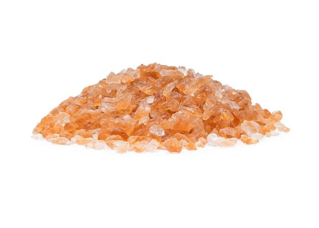 Isolato di zucchero di roccia marrone isolato