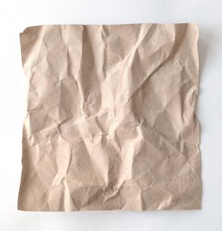 La grinza marrone ricicla la carta