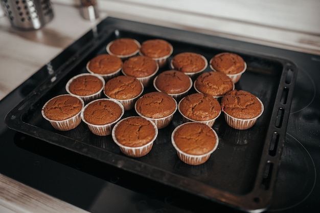 Cupcakes brownie sulla teglia