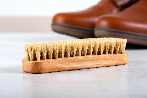 Spazzola per calzature.