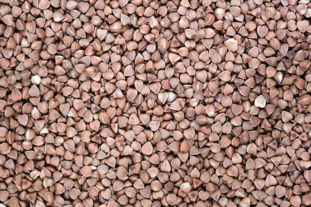 Semole di grano saraceno di cereali integrali da vicino