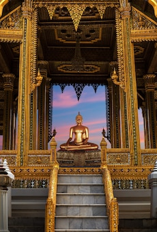 Buddha meditando wat po temple