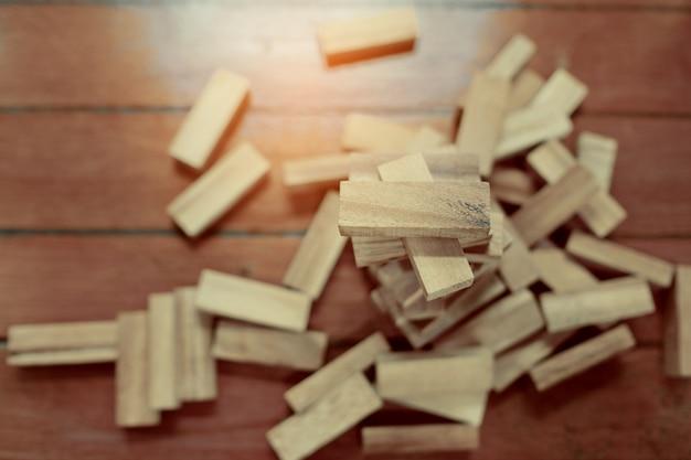 Costruzione di blocchi di legno, piano e strategia