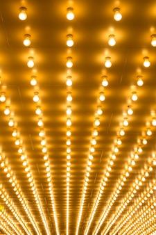 Sfondo di luci di tendone lampadine
