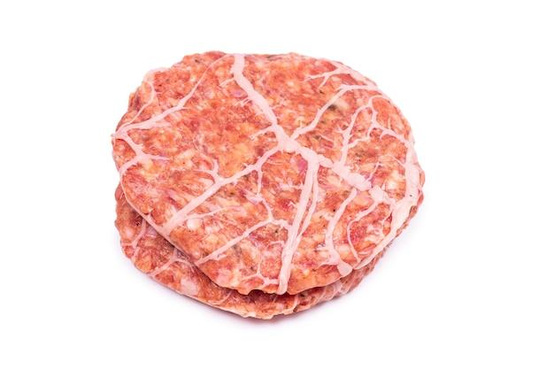 Cotoletta di hamburger isolata su bianco.