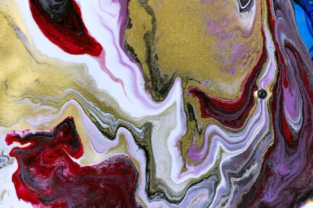 Trama di vernice mista bordeaux. imitazione astratta del modello di marmo con polvere d'oro.