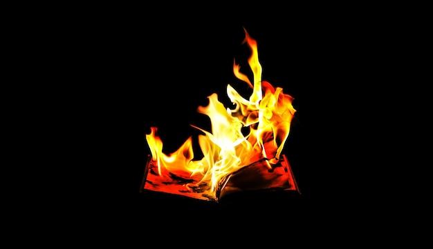 Libro in fiamme di notte. alla gente non piace leggere. problemi intellettuali.
