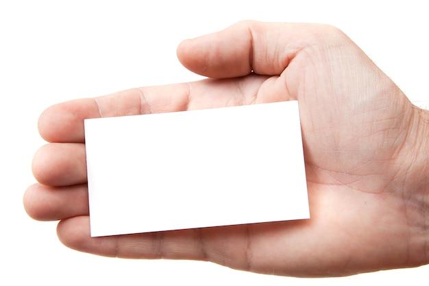 Biglietto da visita a una mano su sfondo bianco