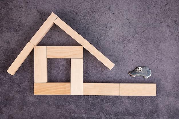 Concetto di affari, assicurazione sulla proprietà, istruzione, affitto della casa, ufficio a casa, vendita, acquisto, su un grigio