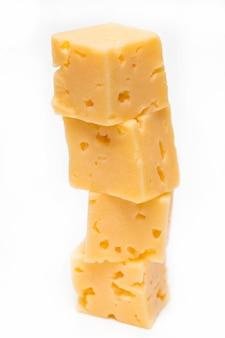 Concetto di business la piramide di cubetti di formaggio