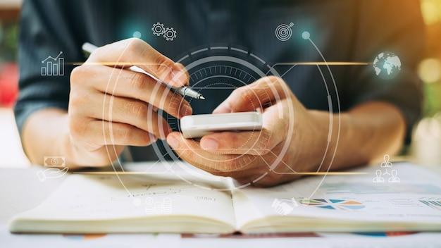 Analisi dei dati aziendali finanziari con realtà aumentata digitale o tecnologia ai
