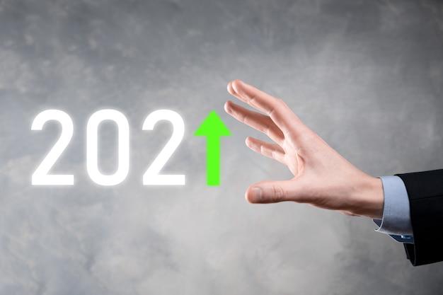 Sviluppo del business per il successo e il concetto di crescita anno 2021
