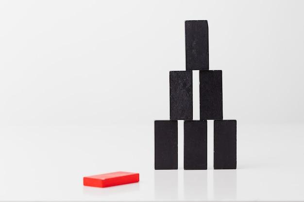Affari, domino, mano, dito, blocco di legno, rosso, blocco, spettacolo,