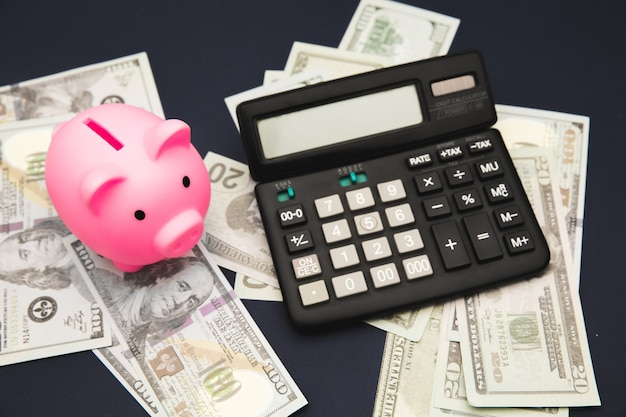 Concetto di affari, finanza, investimento, risparmio e corruzione