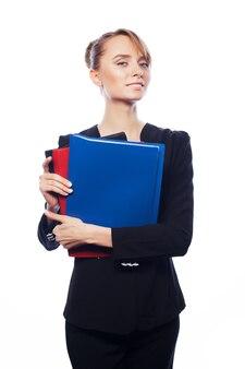 Concetto di affari, finanza e persone. imprenditrice con cartelle isolato su bianco
