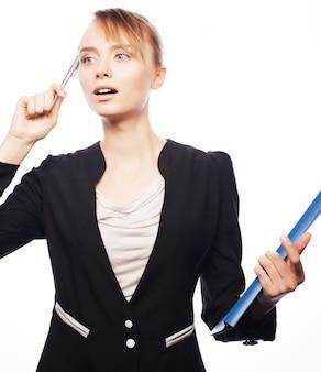 Concetto di affari, finanza e persone: donna d'affari con cartelle isolate su bianco