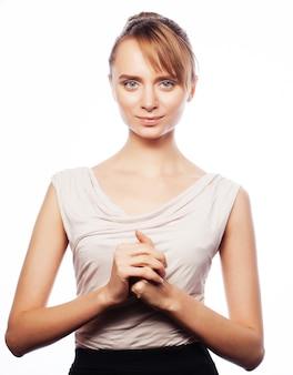 Concetto di affari, finanza e persone: felice giovane donna d'affari isolata su sfondo bianco