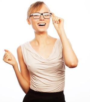 Concetto di affari, finanza e persone: giovane donna d'affari con gli occhiali