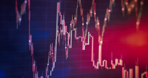 Grafico commerciale. tendenza ribassista rialzista. grafico a candele trend rialzista trend ribassista. contabilità finanziaria dell'analisi dei grafici di riepilogo degli utili. il piano aziendale.