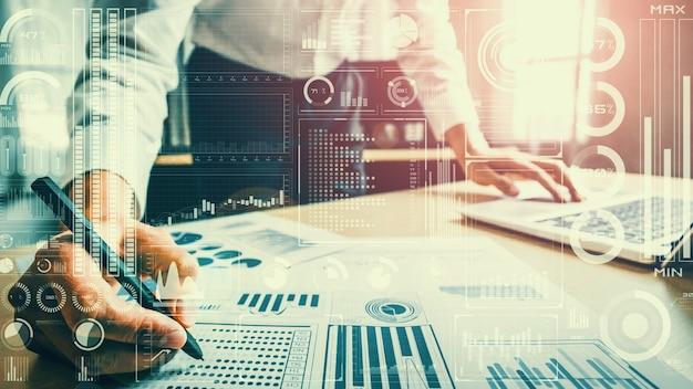 Tecnologia di business intelligence e media misti di analisi dei big data