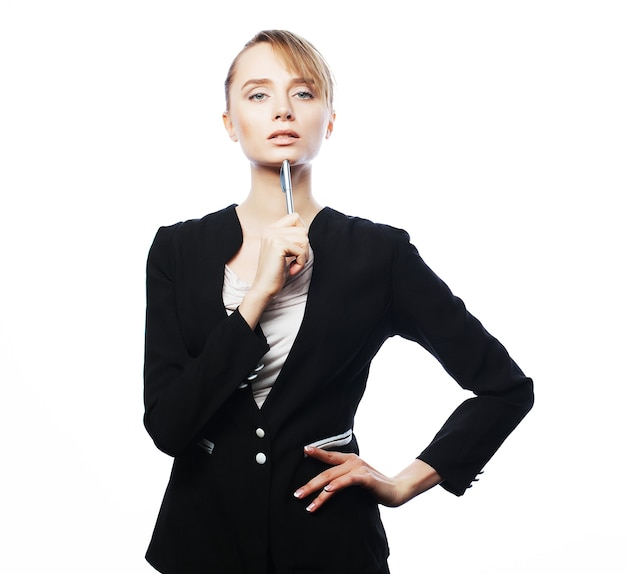 Concetto di affari, beni immobili, banche e persone: giovane donna d'affari isolata su bianco