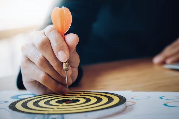 Strategia aziendale che pianifica obiettivi di successo.