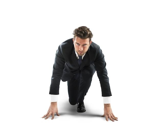 Uomo d'affari all'inizio della nuova sfida
