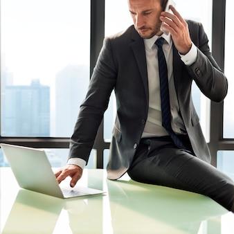 Concetto obiettivo di enterpreneur motivation dell'uomo d'affari