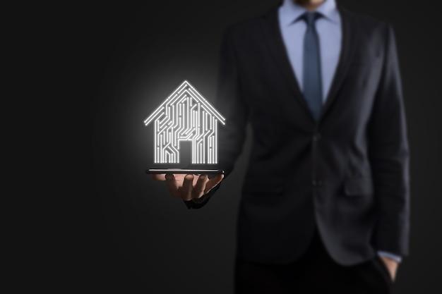 Icona della casa dell'uomo d'affari. concetto di app per la casa intelligente controllata, casa intelligente e domotica